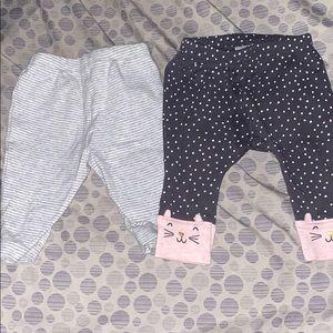 2 pairs of leggings
